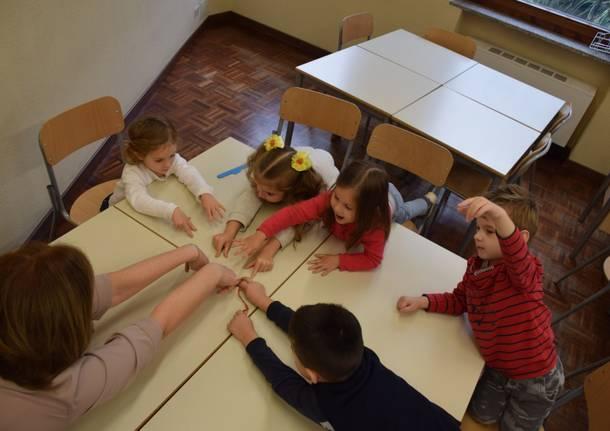 bambini laboratorio scuola