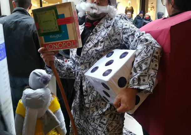 "Vestiti da ""Monopoli"" per il Carnevale Bosino"