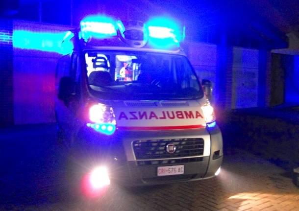 Risultati immagini per ambulanza notte
