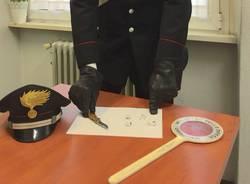carabinieri coltello marijuana