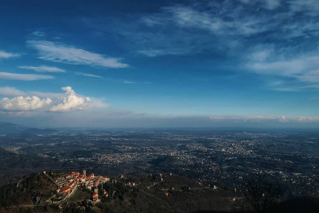 Il Sacro Monte dalle nuvole