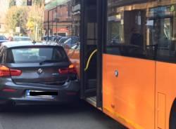 L\'incidente con l\'autobus in via Caracciolo