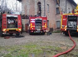 Incendio tetto a Biandronno