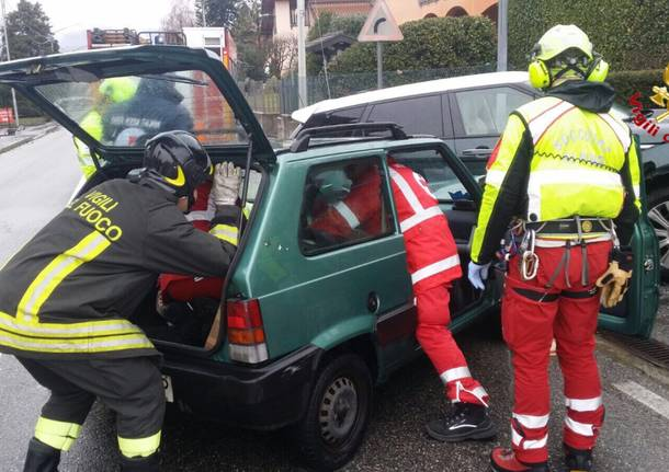 Incidente stradale a Cocquio Trevisago