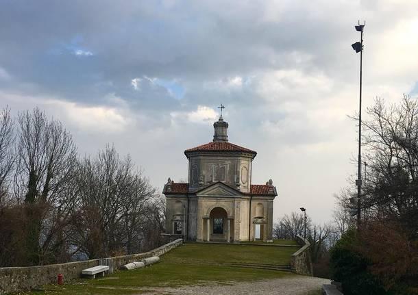 Rifiuti alla XIII cappella del Sacro MOnte