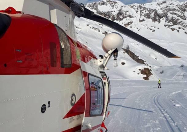 Val Formazza Vigili del fuoco soccorso elicottero