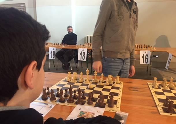 La grande partita di scacchi in simultanea