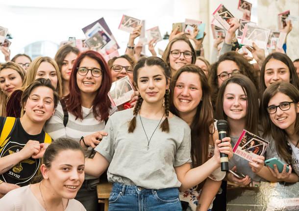 Federica Carta incontra i fan a Varese Dischi