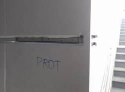 vandalismi stazione fs busto arsizio 2018