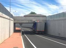 camion incastrato venegono superiore