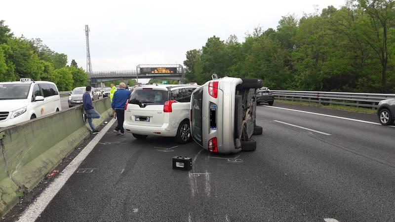 incidente A8 Legnano 20 maggio 2018