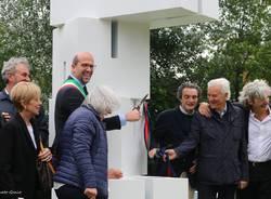 """Induno Olona - Inaugurazione della scultura """"Dadini"""" di Otto Monestier - Foto di Eugenio Pigato"""