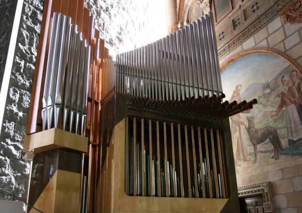 organo mascioni chiesa sacro cuore busto arsizio