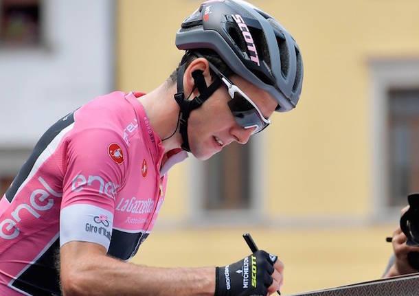 simon yates giro d'italia maglia rosa ciclismo