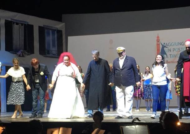 """In mille a Teatro per un """"Aggiungi un posto a Tavola"""" ricco di solidarietà"""