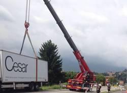 camion ribaltato cocquio gemonio
