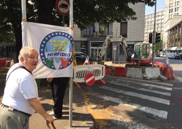 Protesta contro il taglio dei tigli viale duca d'Aosta di Busto