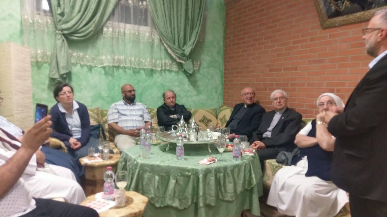 il prevosto recita il Padre nostro al centro islamico