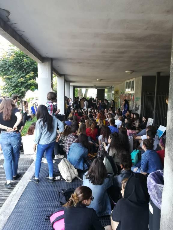 Secondo giorno di sciopero al liceo Frattini