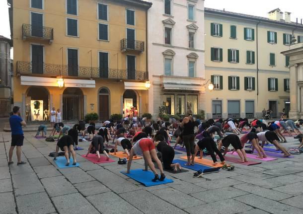 Yoga in Piazza San Vittore