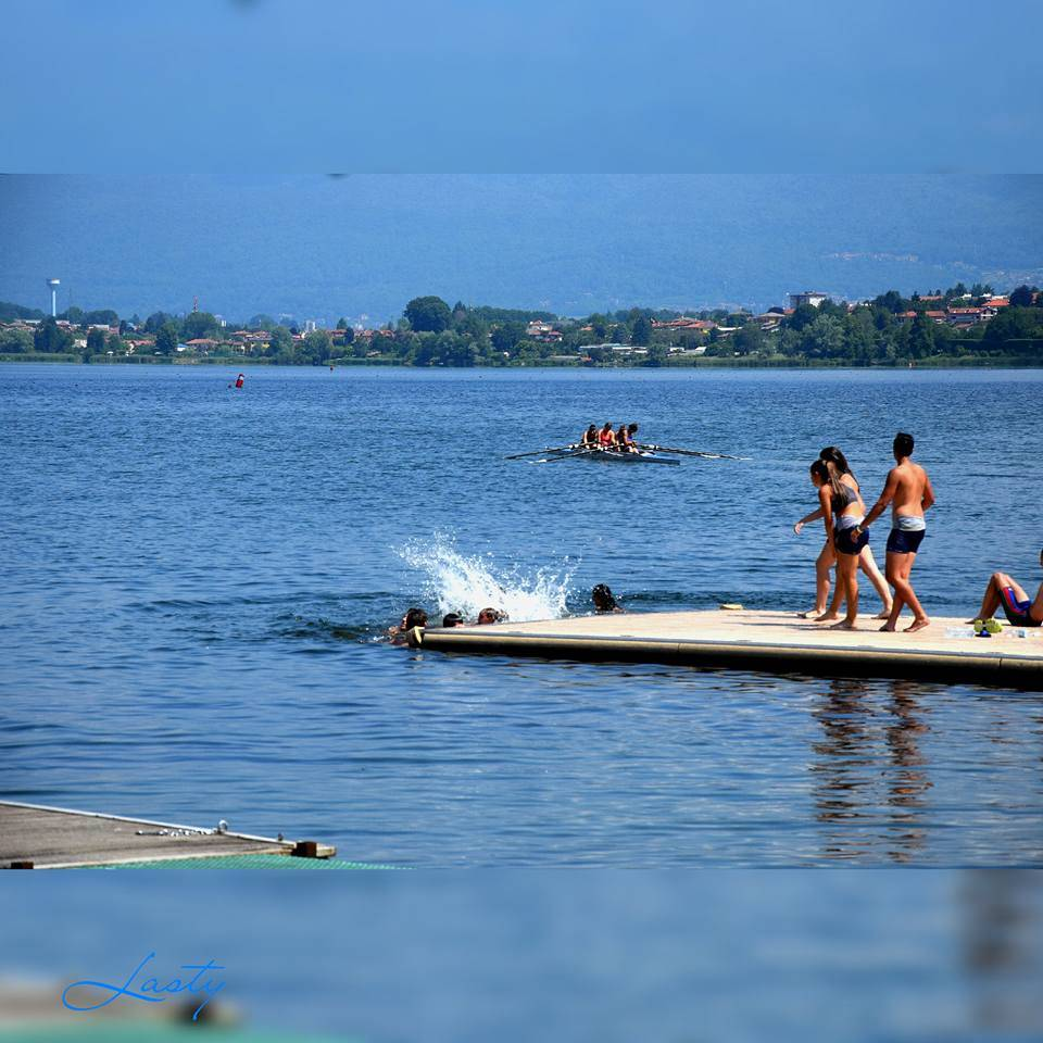 i primi bagni al lago