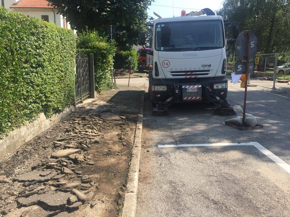 Lavori sui marciapiedi del quartiere Belfiore a Varese