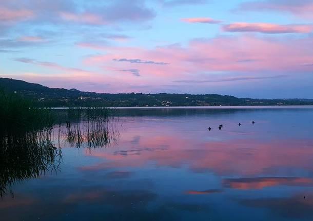 Tramonto sul lago di Varese - foto di Cinzia Marangon