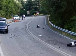 Incidente sulla provinciale, moto si spezza in due