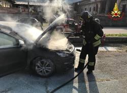 Incendio auto a Germignaga