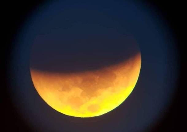 Eclissi Luna in diretta: dalle 21.30 lo spettacolo dei record