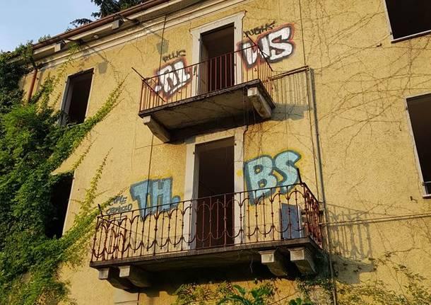 la palazzina abbandonata di via Lazio