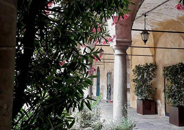 Varese, il broletto - foto di Maria Desogos