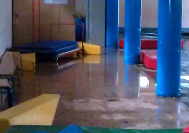 Vedano Olona - La palestra delle elementari allagata
