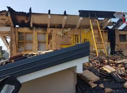 Fulmine colpisce una casa a Cadrezzate