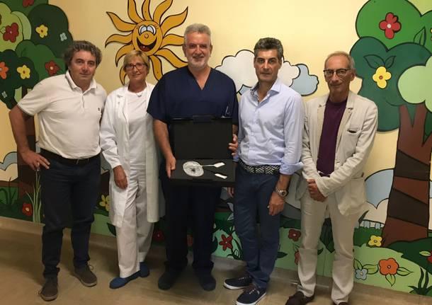 """donazione alla pediatria da parte dell'associazione """"Andrea Valentini: un aiuto ai bambini"""""""
