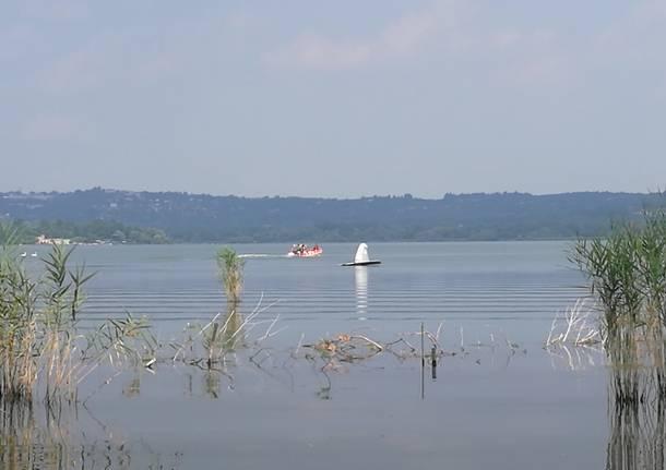 aereo caduto lago