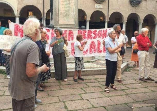 Manifestazione contro Salvini in Piazza Podestà