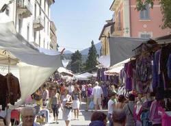 mercato di luino