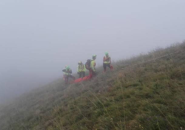 Monte Chiusarella, il recupero del parapendio