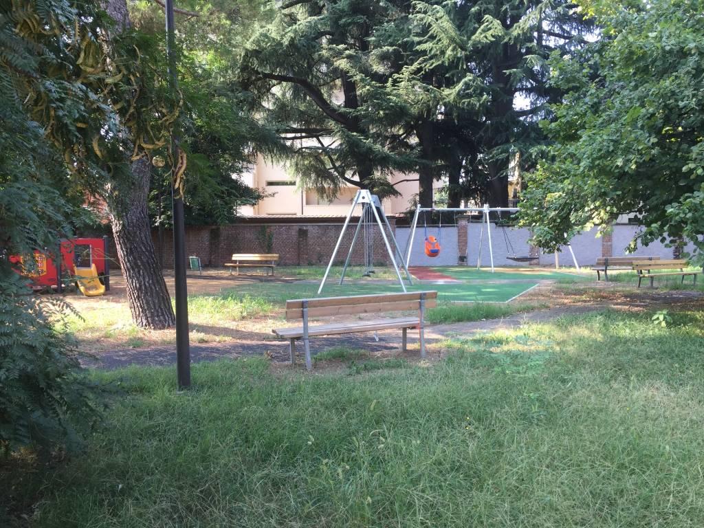 Parco via Bottini giardino pubblico Gallarate