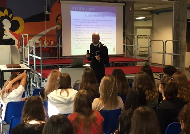 cyberbullismo carabinieri scuola
