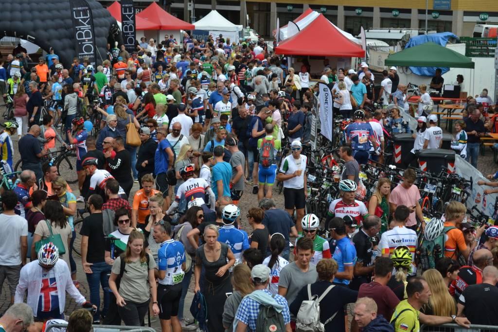 L'arrivo della Granfondo Mondiale Varese 2018