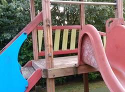 Parco giochi di Casciago vandalizzato