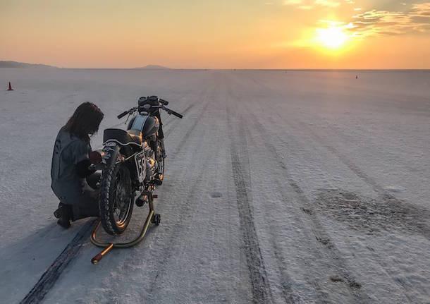 pista lago salato bonneville stacie b. london motociclismo aermacchi