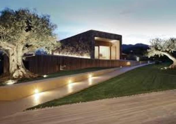 Casa di design: è dobbligo illuminare gli spazi aperti