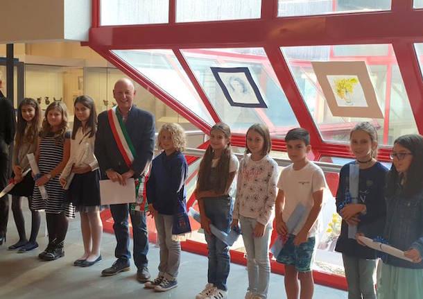 1092bdc757 Sabato 20 ottobre 2018, al Civico Museo Parisi-Valle di Maccagno con Pino e  Veddasca, si è svolta la consegna delle borse di studio agli alunni più ...