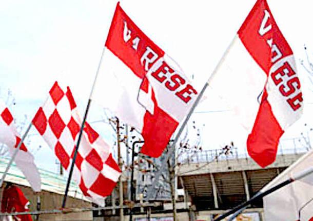 bandiere biancorosse varese