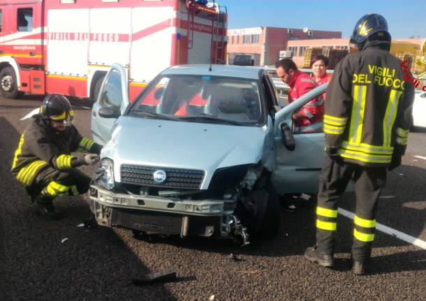 incidente a8 autostrada