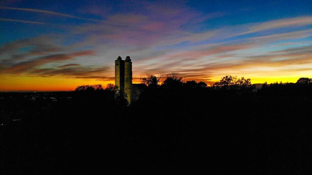 La torre di Velate al tramonto