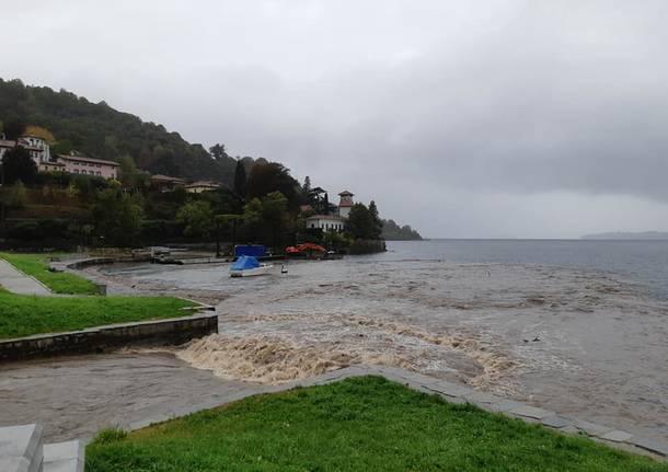 Laveno Mombello sotto la pioggia, Lago Maggiore